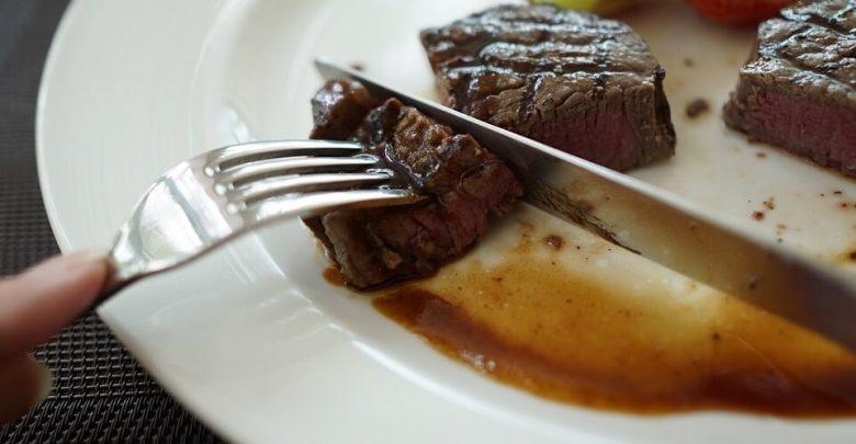 quante proteine dovrei mangiare in una dieta chetogenica testo