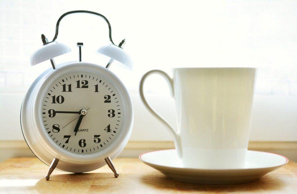 sveglia per la routine del sonno