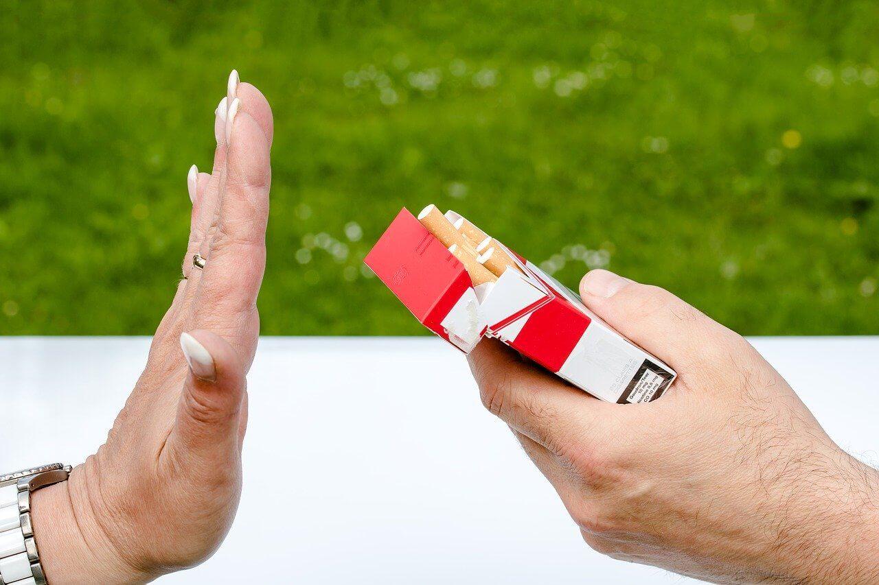 SMETTERE DI FUMARE, AIUTO
