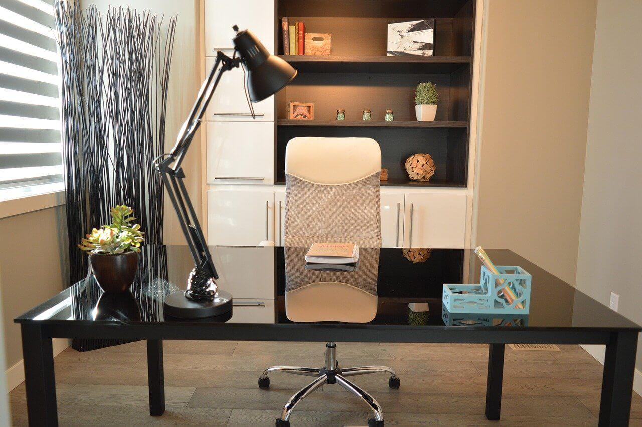 cuscino per la sedia dell'ufficio